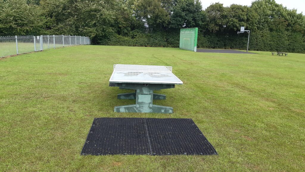 The new concrete table tennis table
